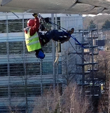 Chiswick Park building installations with rope access